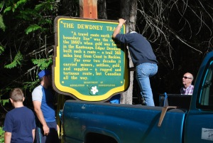 closeup of installing dew trail sign