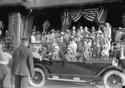 Warren G. Harding leaving Shaughnessy Heights golf club by car (1)