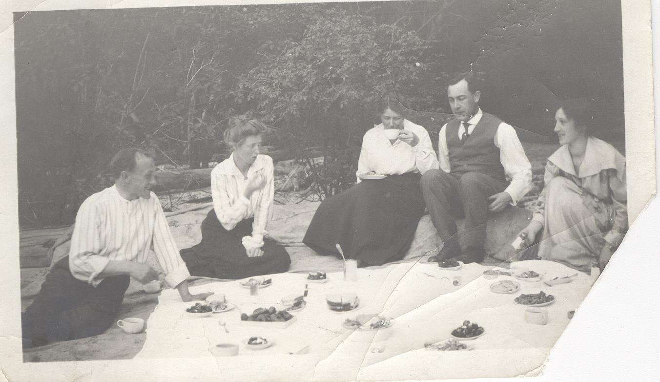 rl and picnic folk